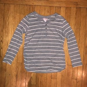 GREAT Expectations Maternity shirt size XXL